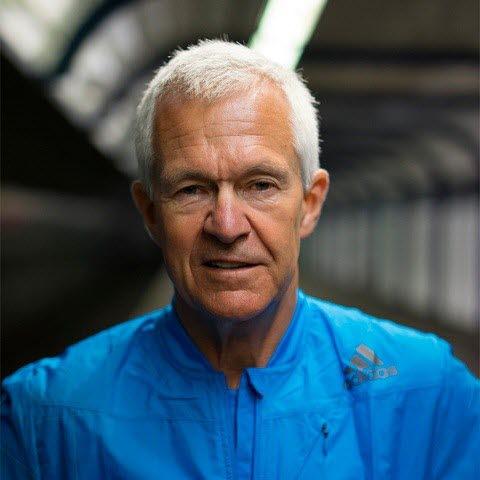 6126370c Det blir sagt at maratonkonkurransen under OL i München i 1972 regnes som  selve startskuddet i den moderne joggebølgen, der Frank Shorter vant.